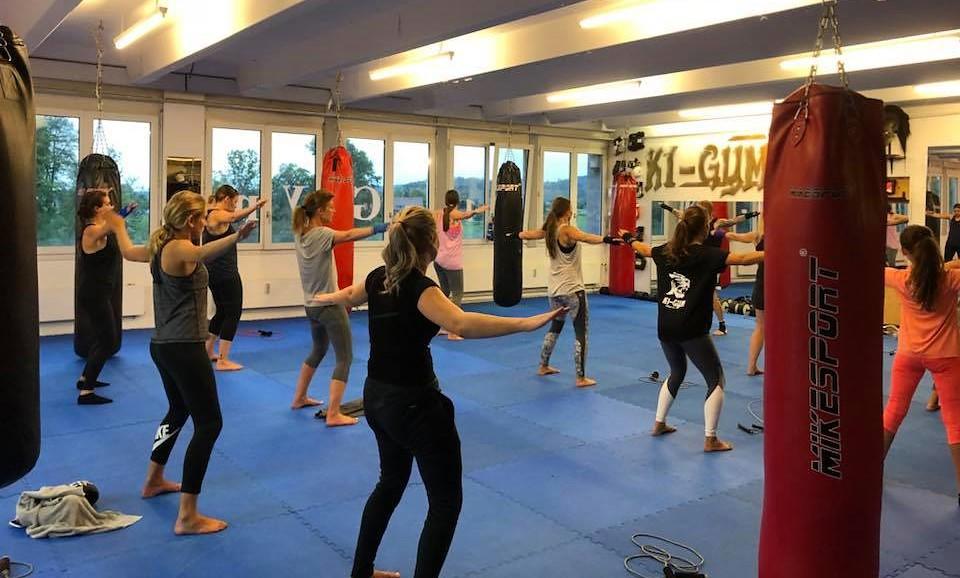 k1gym.ch-ladies-kickboxen.jpg