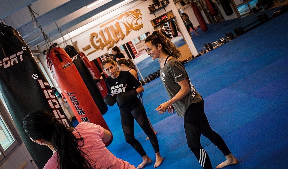 k1gym.ch-kampfsport-ladies-instruction.jpg