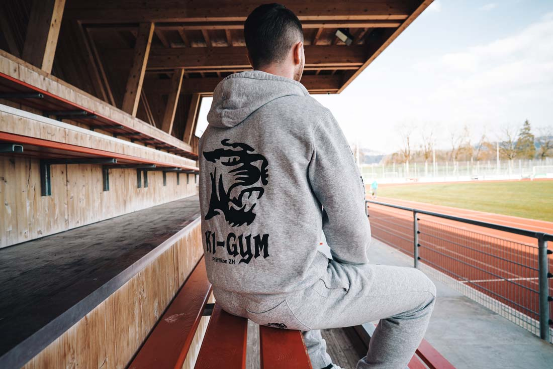 k1gym.ch-ueber-uns-produkte-hoody-grau-schwarz.jpg