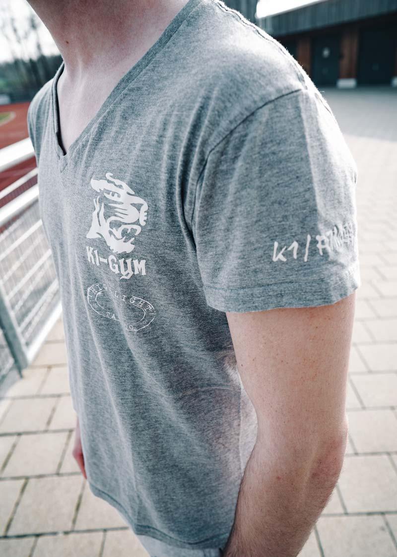 k1gym.ch-ueber-uns-produkte-t-shirt-men-grau-weiss.jpg